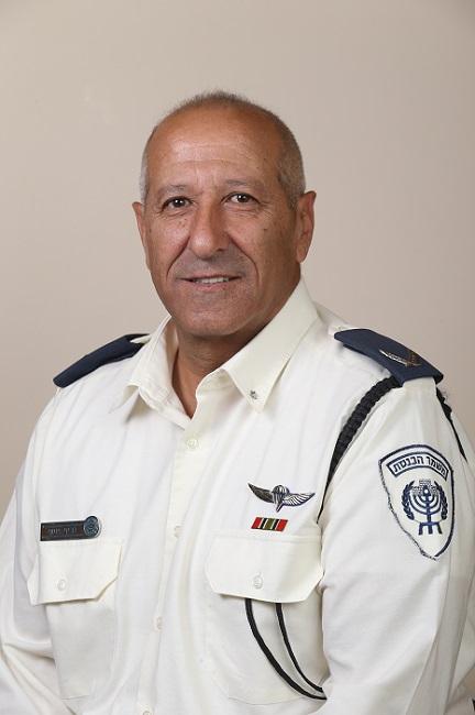 קצין הכנסת והיועץ המשפטי מרוויחים יותר מראש הממשלה Officer_joseph_g-B